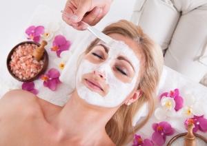 Маски и крема в косметологии
